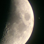 Saturnus ockulterar Månen