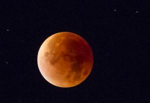Blodröd måne